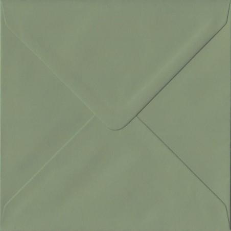 1- Briefumschlag 14,5 x 14,5 cm 145 x 145 mm Olivgrün gerippt mit Innenfutter ( Weiß ) Verschluss: feuchtklebend 100 g/m²
